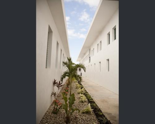 Mirebalais Hospital: Walkway